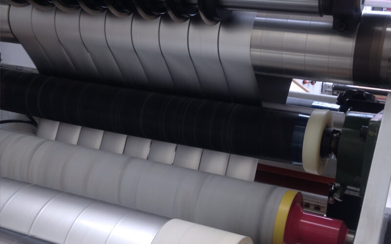 Snijmachine voor tape-rollen